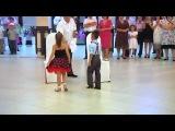 Танцующие дети.Очень круто!!!!!!!)))))